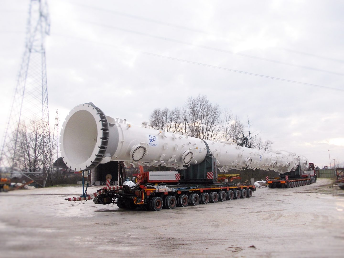 Column in SA 240 Type 316/316L at Uralsk plant – Size: 45.000 x 3.034 mm: 103 t - Rep. of Kazakhstan
