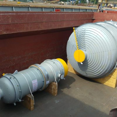 Vacuum preconcentrator with separator in SA 240 TP 304L / 316L with external steam tracing in SA 312 TP 304L and tubes in SA 213 TP 316L at Togliatti plant – Size: 12.516 x 4.700 mm; 44 t - Russia