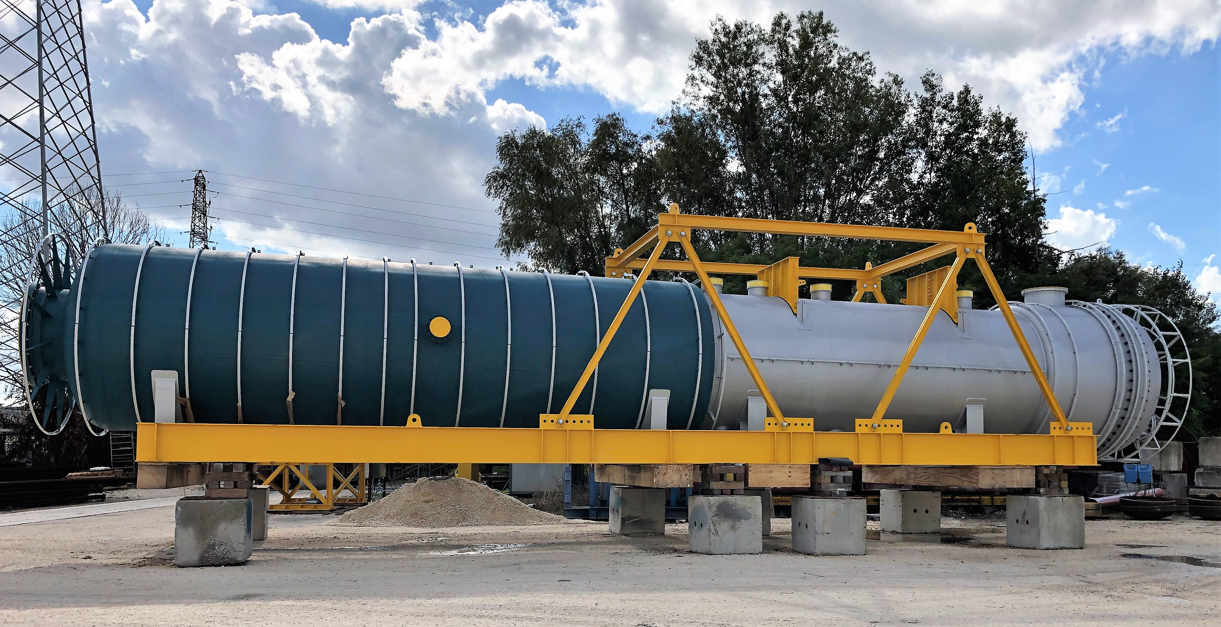 WASTE HEAT BOILER PACKAGE (THERMAL REACTOR + WHB + SD WITH RISERS & DOWNCOMERS) IN SA 516 GR.60 / SA 210 GR.A1 - SIZE: 3.200 X 22.500 AT MIDOR REFINERY EXPANSION, EGYPT