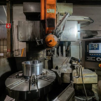 Machining of nozzle by vertical lathe