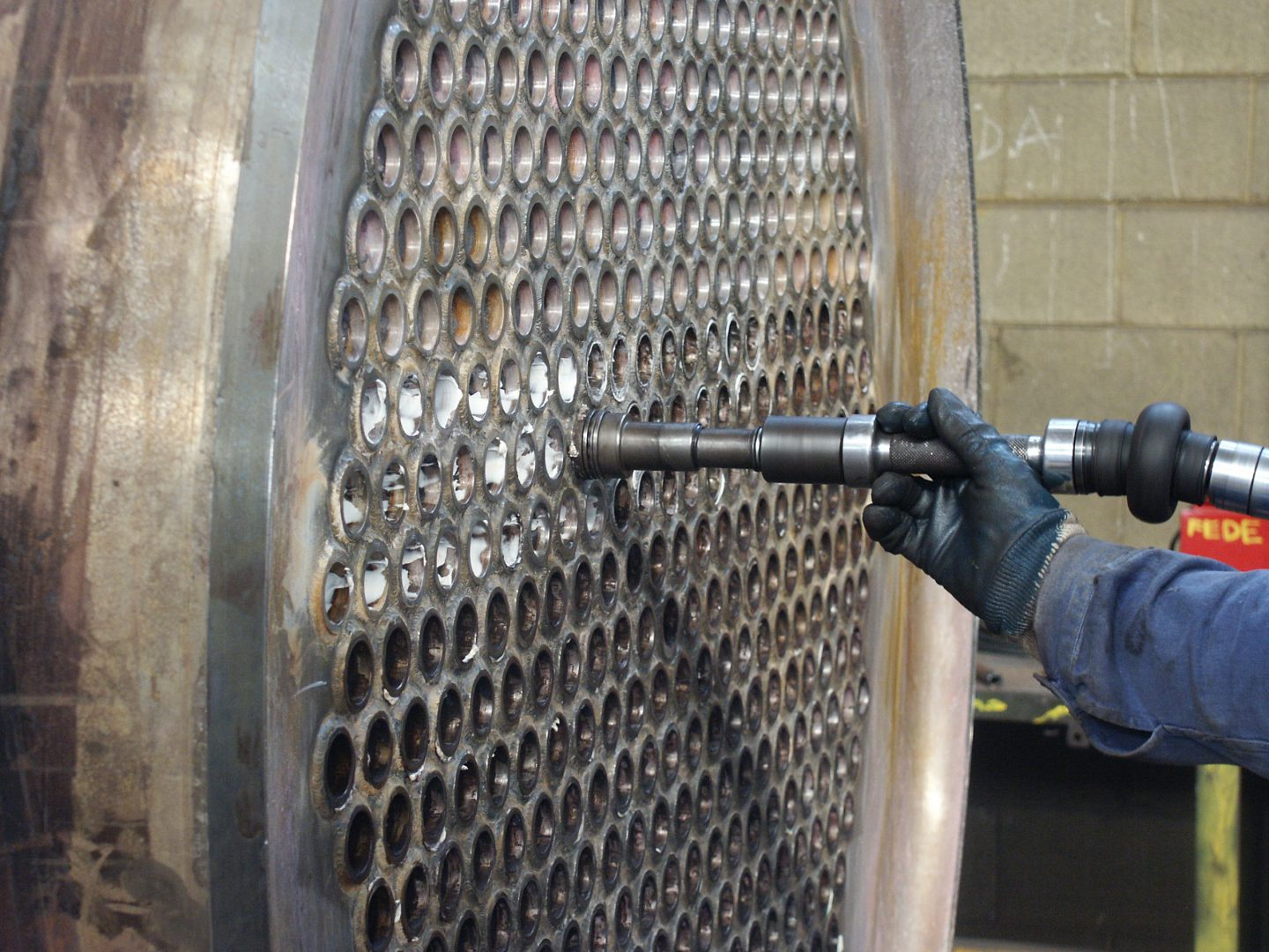 Tube expansion of a heat exchanger